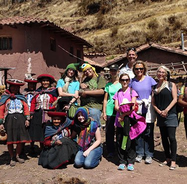 EXPERIENTIAL TOURISM IN CHINCHERO 2D / 1N